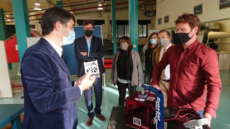 El conseller Jordi  Puigneró coneix el potencial aeroespacial de la UPC-ESEIAAT