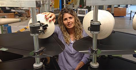 Investigadors tèxtils de la UPC a Terrassa col·laboren amb el Departament de Salut per trobar la manera més ràpida de fabricar mascaretes sanitàries reutilitzables