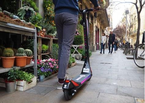 Mou-te per Terrassa amb bicicletes o patinets elèctrics públics!!
